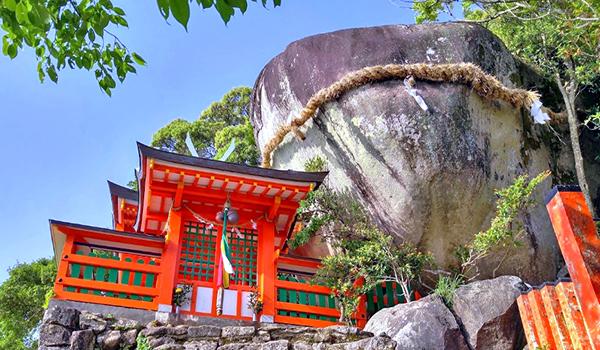 神倉神社(ゴトビキ岩)